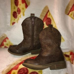 Girls size 7 brown boots